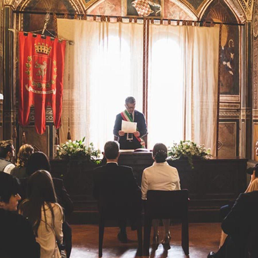 Celebrate wedding in San Miniato in Tuscany
