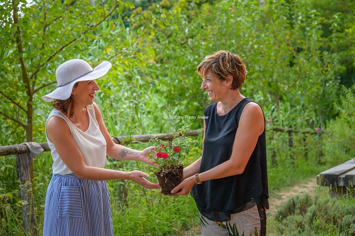 La via delle rose ai vicoli carbonai a San Miniato