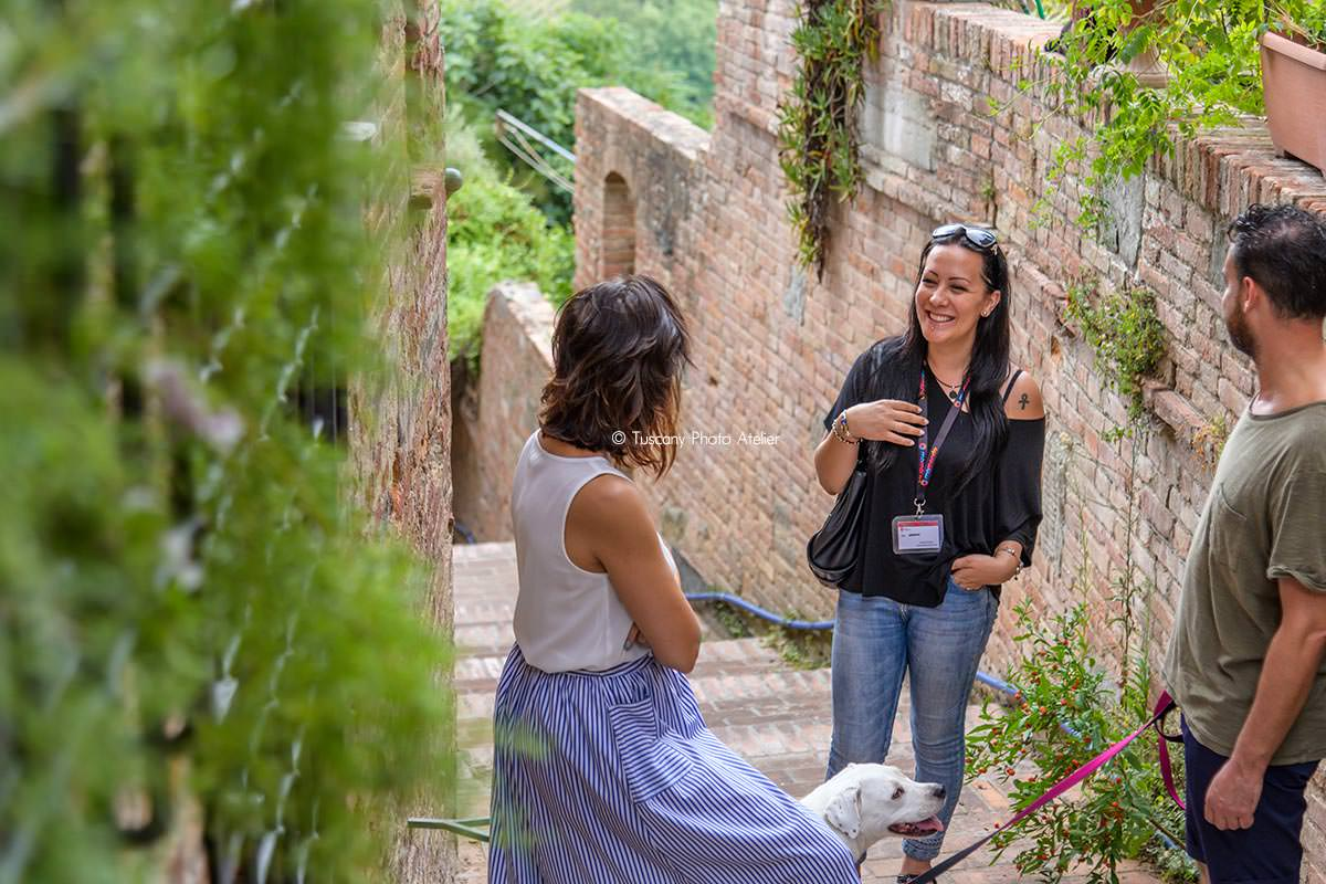 Passeggiata romantica con visita guidata ai vicoli carbonai in Toscana