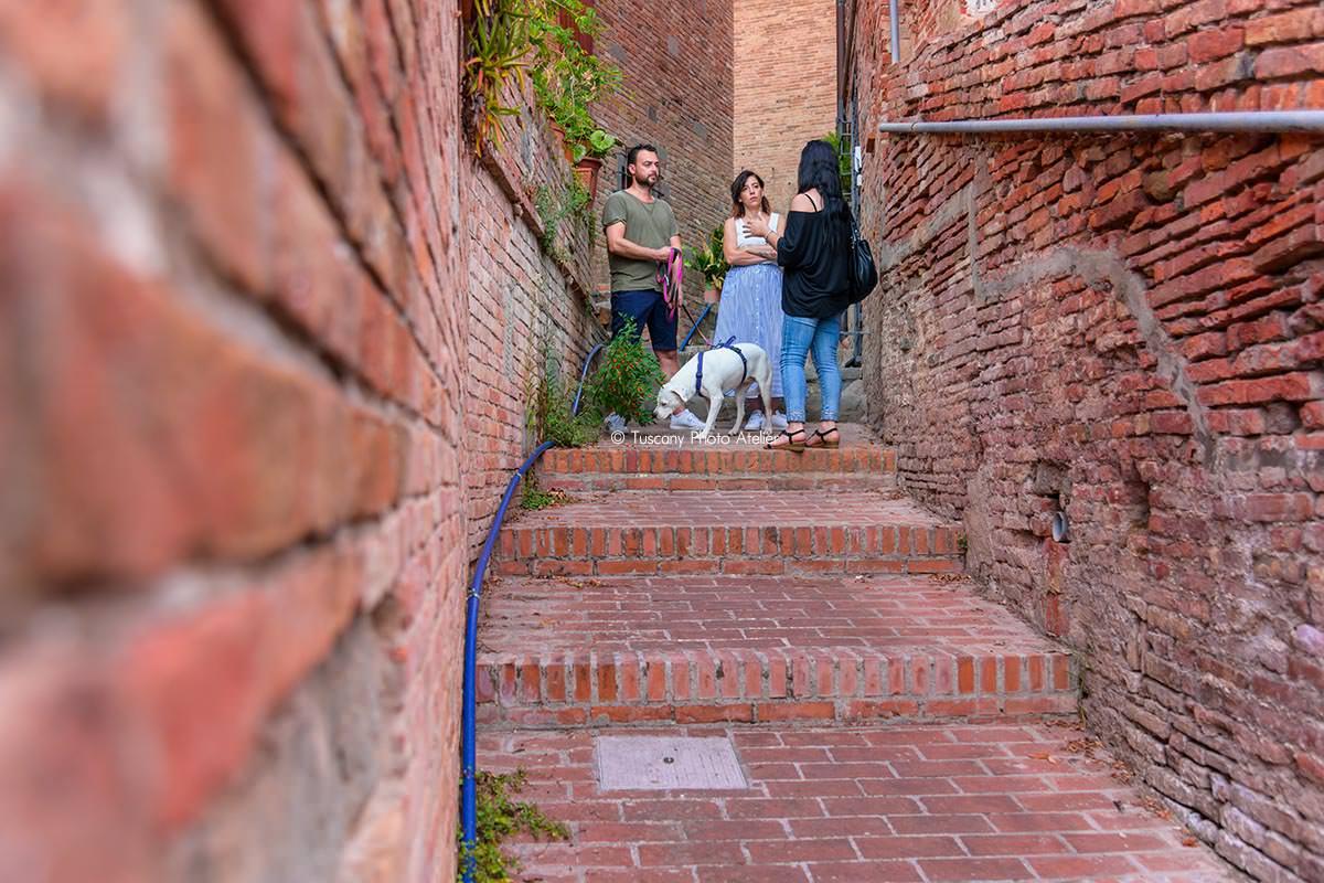 Passeggiata romantica con guida turistica ai vicoli carbonai a San Miniato, Pisa